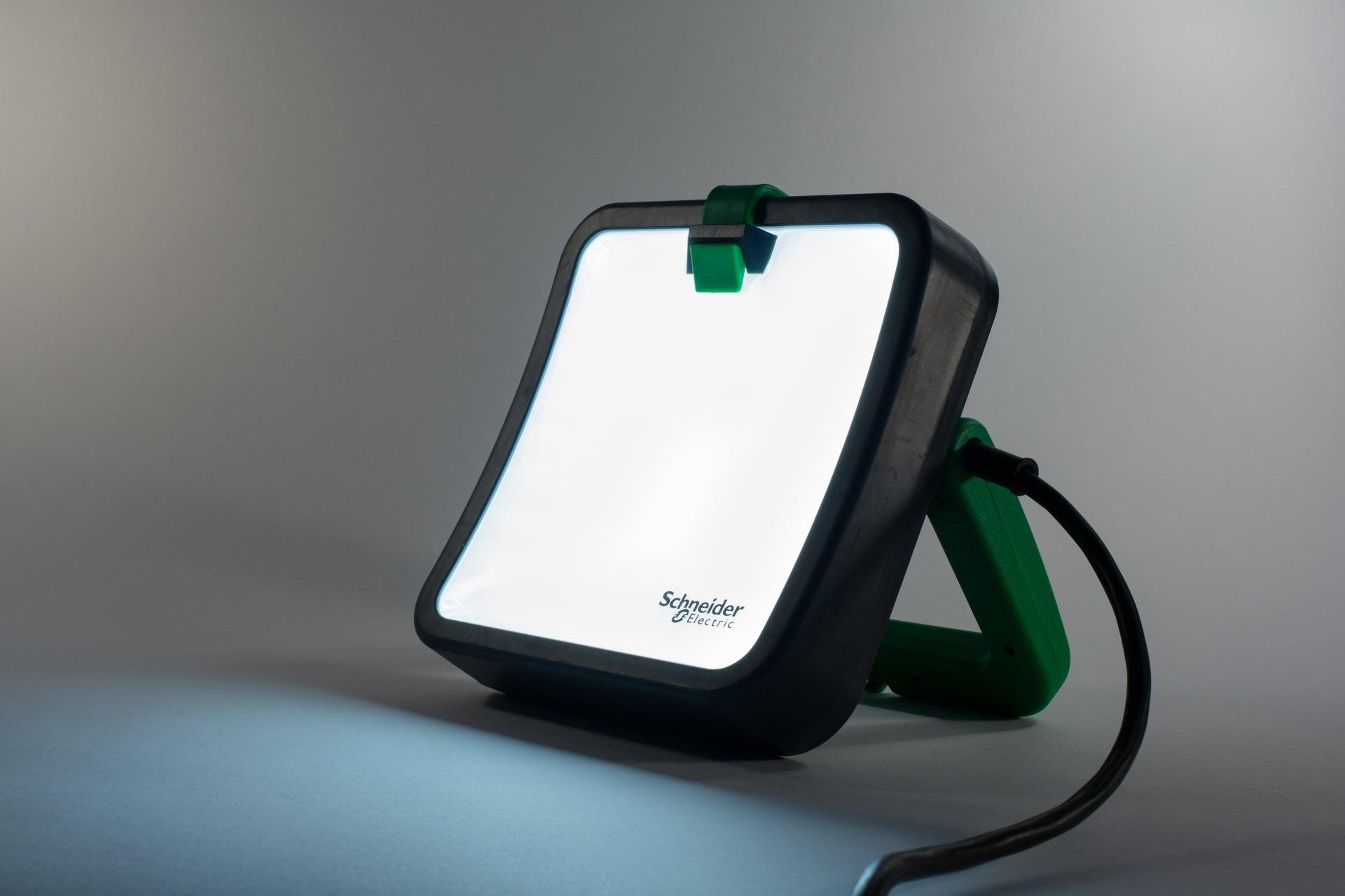 projecteur led chantier rechargeable schneider electric
