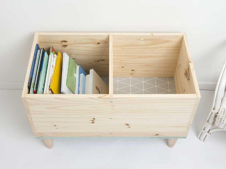 Caisse En Bois Pour Livre diy : créer un coffre pour ranger ses livres d'enfant