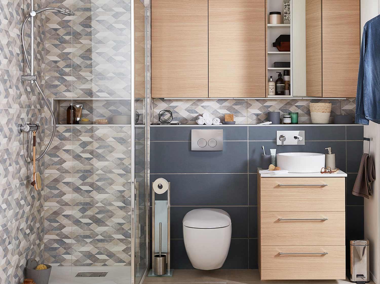 Idée Peinture Petite Salle De Bain aménager l'essentiel dans une petite salle de bains | leroy