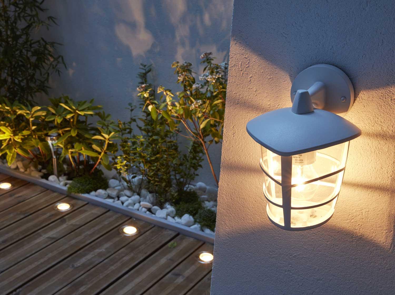 Eclairage De Terrasse Sur Pied tout savoir sur l'éclairage extérieur | leroy merlin