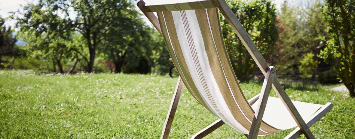 9 Conseils Pour Un Gazon Bien Vert Toute Lannée Leroy Merlin